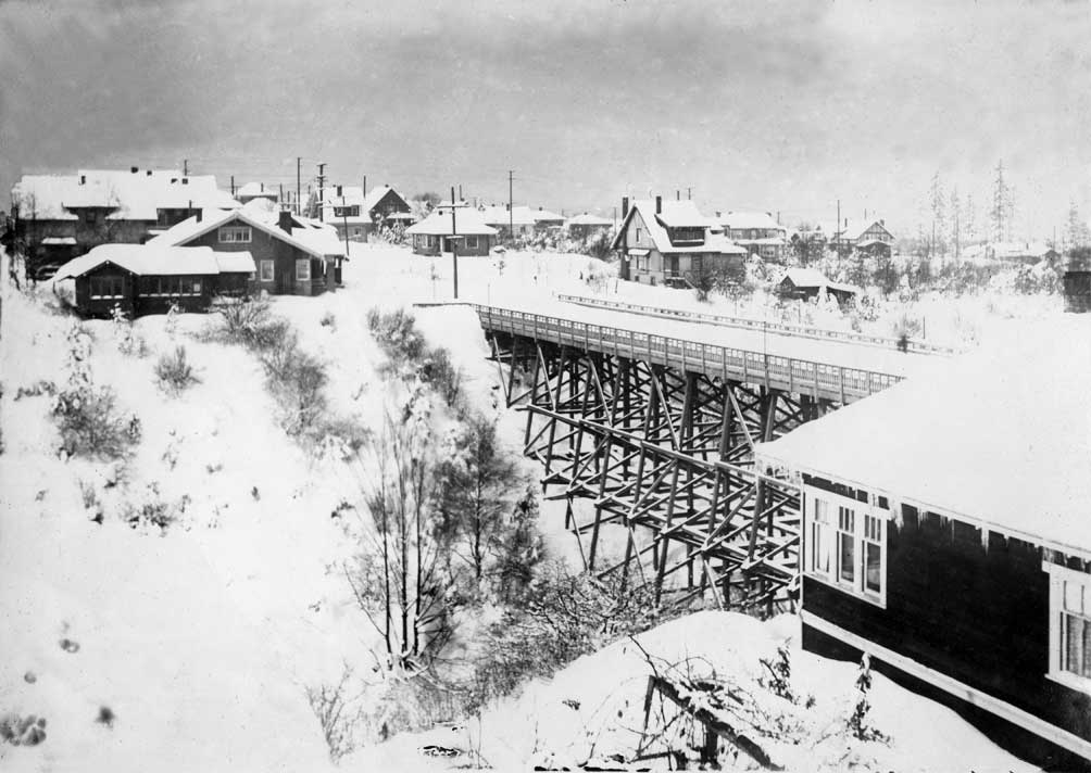 x43-16-mcgraw-st-bridge-1916-snow.jpg